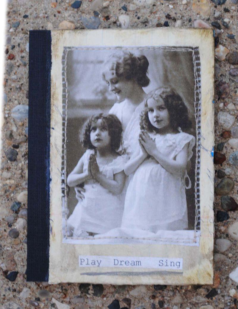 Play dream sing mini book 1