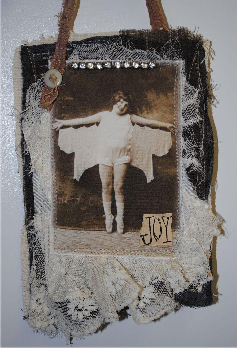 Gift holder, Joy