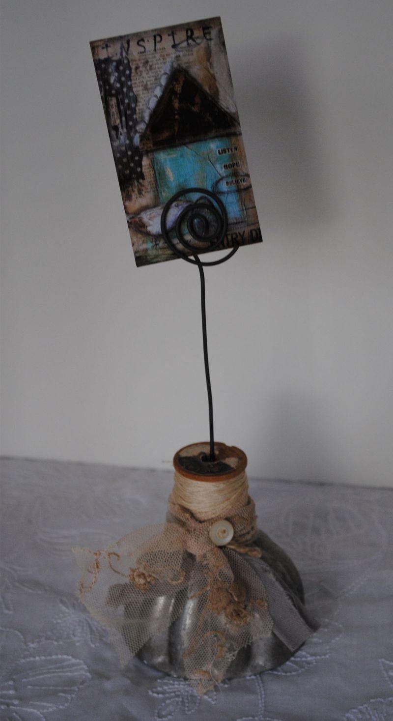 Spool card holder