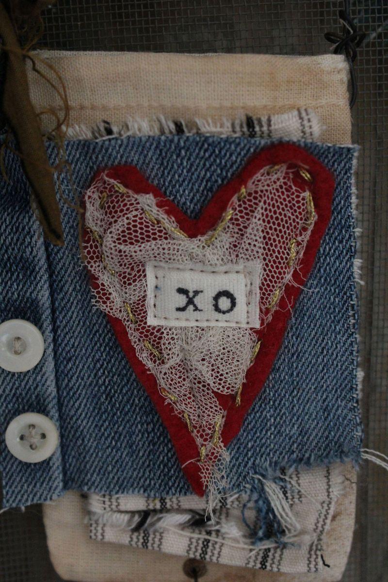 Xo ornament bag close up 2012