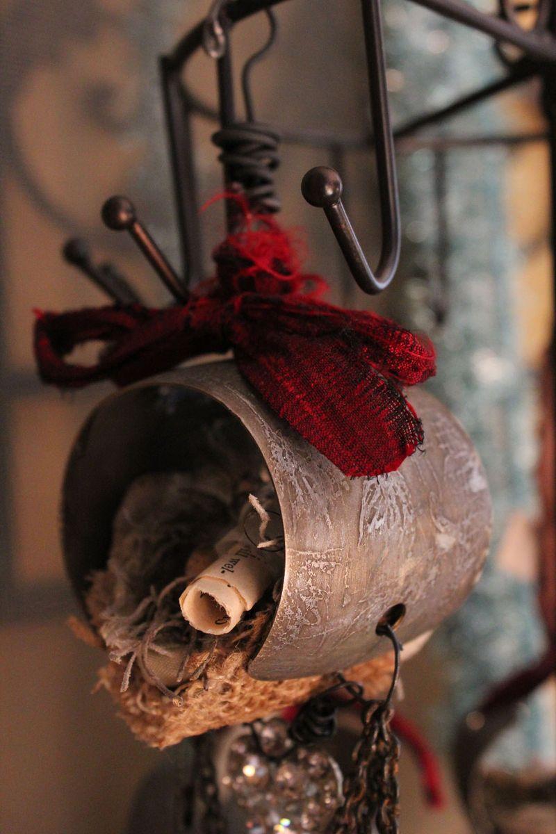 Xo ornament close up