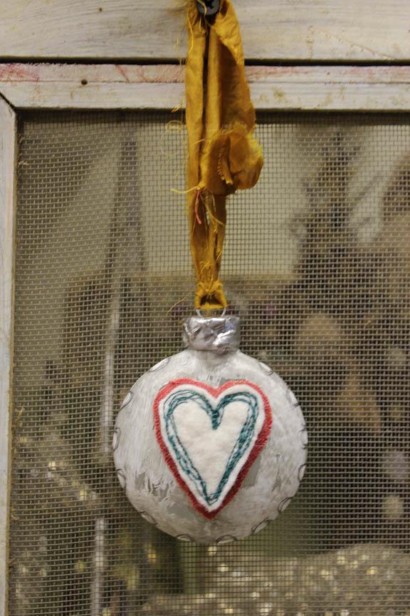 Heart glass ornament full view