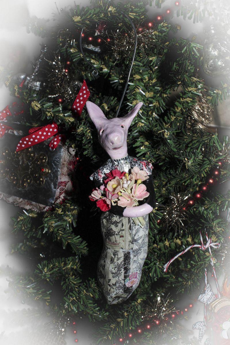 Kelly Snelling ornament 2012