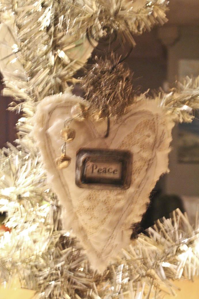 Peace ornament #2 (4)