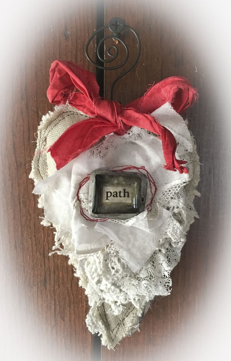Path heart ornament