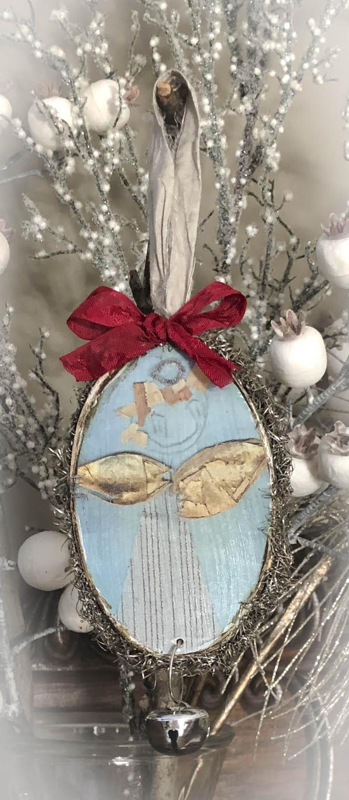 Angels sang ornament