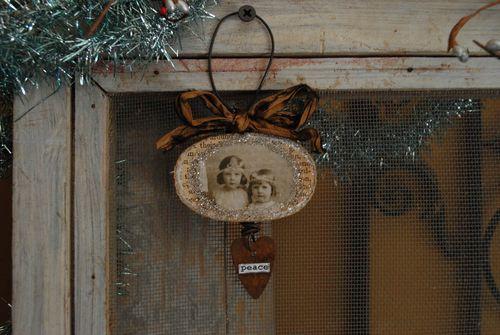 Peace ornament 2