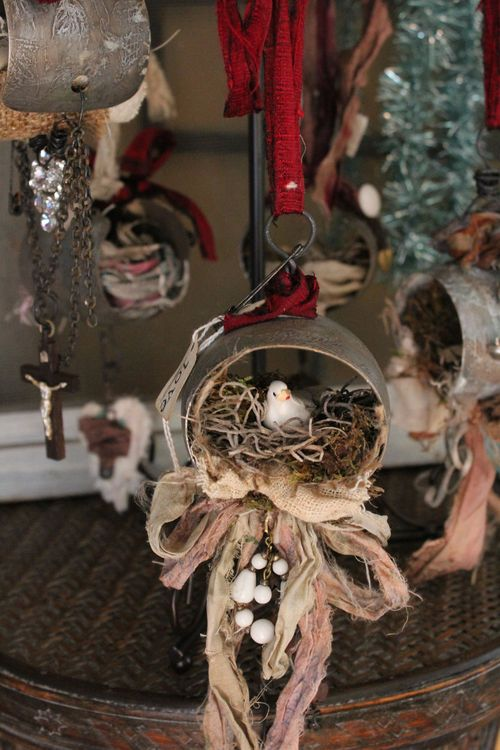 Xo bird ornament full view